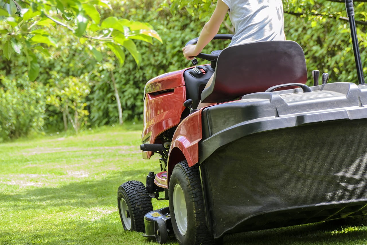 Electric Riding Lawn Mowers - Bagging and Mulching