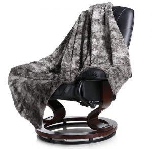 LANGRIA Luxury Super Soft Faux Fur Fleece Throw Blanket